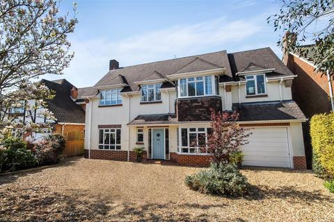 4 bedroom detached house to rent - Huntly Road, Bournemouth
