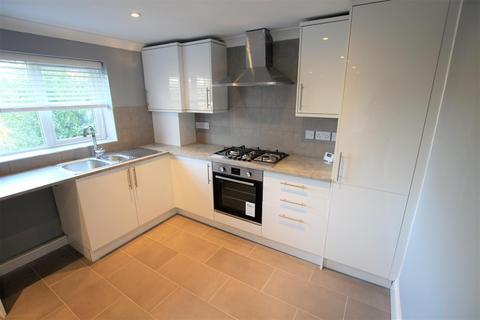 3 bedroom flat to rent - Richmond Park Road, Bournemouth