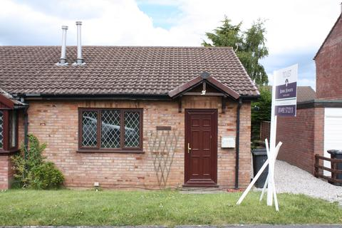 2 bedroom semi-detached bungalow to rent - Fron Uchaf, Upper Colwyn Bay LL29