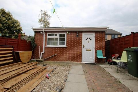 1 bedroom detached house to rent - Campkin road, Cambridge CB4