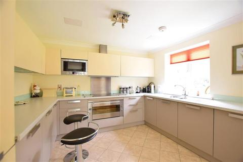 2 bedroom ground floor flat for sale - London Road, Hythe, Kent