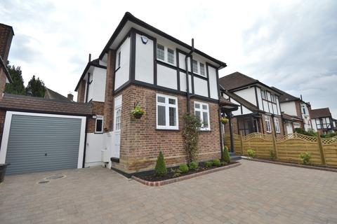 3 bedroom semi-detached house to rent - Greenway, Southgate N14