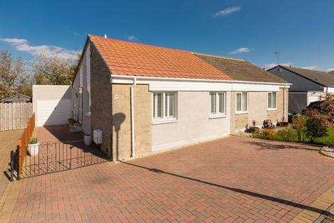 3 bedroom detached bungalow for sale - 9 Ravenscroft Gardens, Gilmerton, EH17 8RP