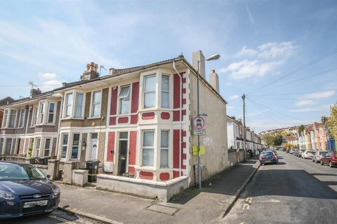 5 bedroom end of terrace house for sale - Paultow Road, Victoria Park, Bristol, BS3 4PT