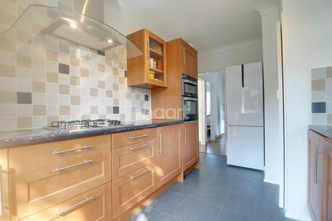 2 bedroom maisonette for sale - Kings Grove, Romford, RM1