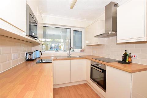 3 bedroom semi-detached house for sale - Station Road, Westgate-On-Sea, Kent