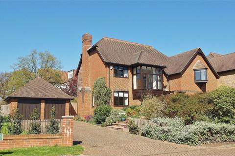 5 bedroom detached house for sale - Courtenay Drive, Beckenham, Kent