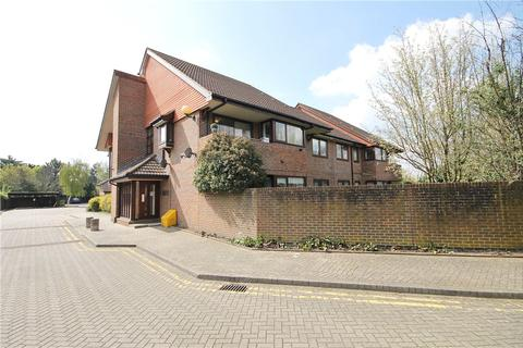 2 bedroom apartment for sale - Rosslyn Close, Sunbury On Thames, Middlesex, TW16