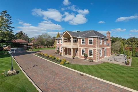 5 bedroom detached house to rent - Darras Road, Darras Hall, Ponteland