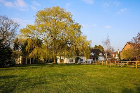 5 bedroom farm house for sale - Church Road, Ickford