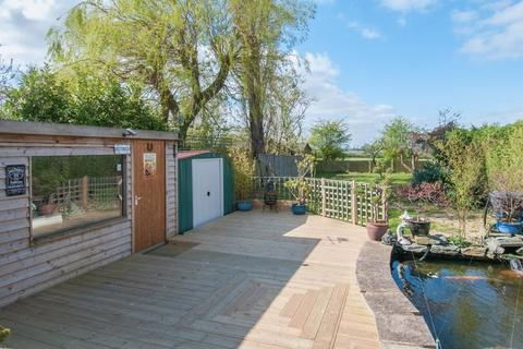 5 bedroom detached bungalow for sale - Bedford Road, Rushden