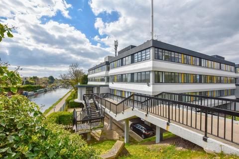 2 bedroom apartment to rent - Bridgewater House, Park road, Altrincham