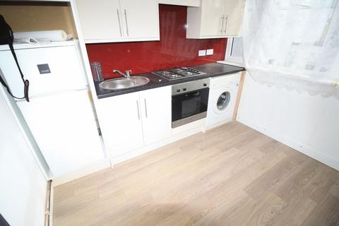 1 bedroom apartment to rent - First floor flat to rent in Swindon Town Centre, Recently Refurbished