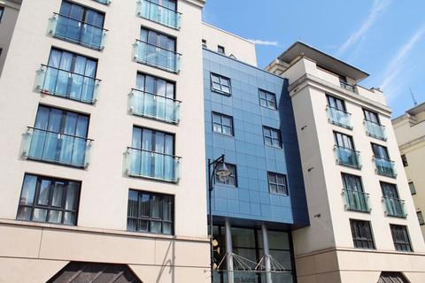 2 bedroom apartment to rent - The Zenith Building, Colton Street