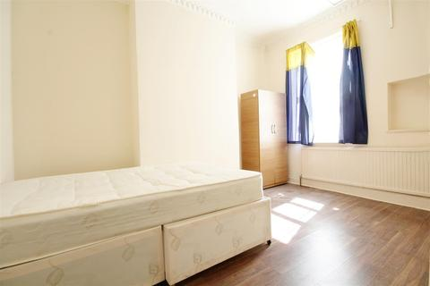 House share to rent - Brownlow Road, Harlesden, London