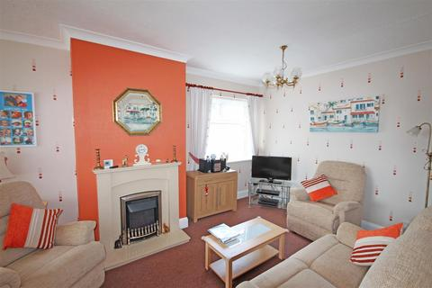 3 bedroom semi-detached house for sale - Stoneleigh Avenue, Patcham, Brighton