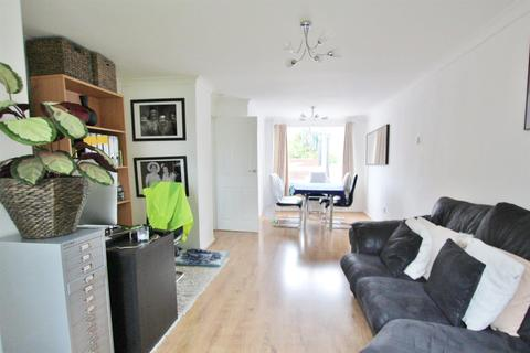 3 bedroom end of terrace house to rent - Setley Gardens, Throop, Bournemouth