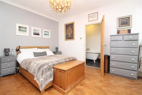 1 bedroom flat for sale - Adelaide Crescent, Hove