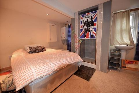 2 bedroom house to rent - Beechwood Avenue, Leeds