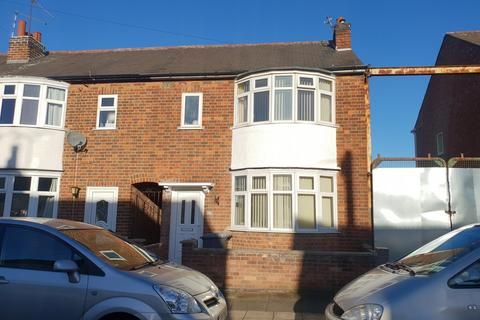3 bedroom townhouse to rent - Dunbar Road, Near Gypsy Lane, Leicester
