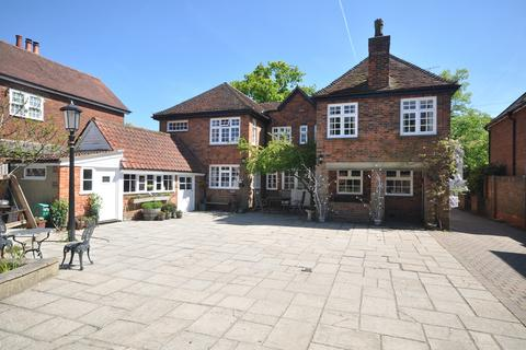 5 bedroom detached house to rent - High Street, Stock, Ingatestone, CM4