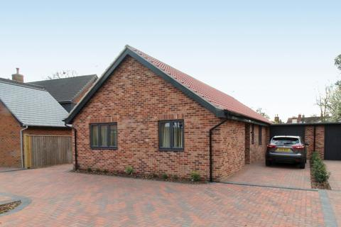3 bedroom detached bungalow for sale - The Hollies off High Street, Wickham Market, IP13 0RF