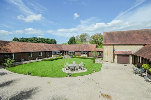 5 bedroom barn conversion for sale - Shipton-under-Wychwood, OX7