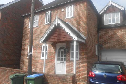 3 bedroom detached house to rent - Cedar Road, Southampton SO14