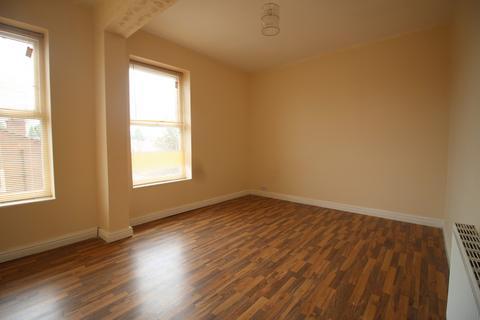 2 bedroom flat to rent - Stanley Road, Liverpool