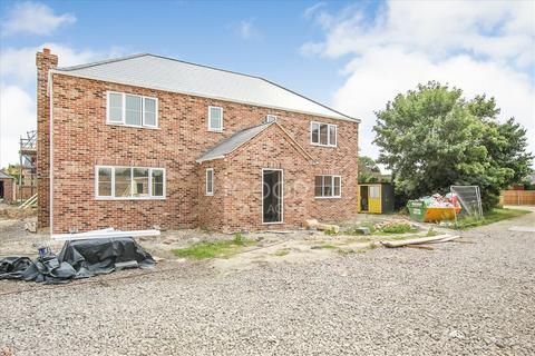 4 bedroom detached house for sale - Ashfield Gardens  (Off Church Lane), Isleham, Ely CB7
