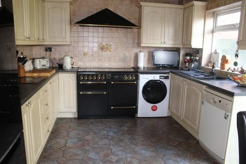 5 bedroom townhouse for sale - Petworth Way