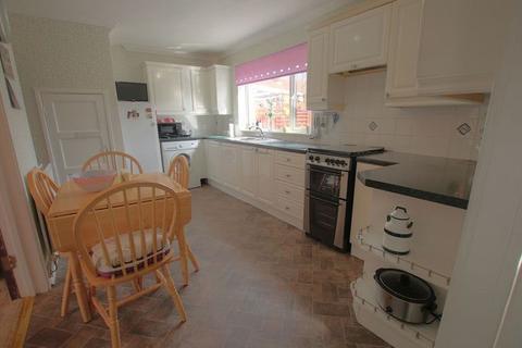 3 bedroom semi-detached house for sale - Caldew Crescent, Newcastle upon Tyne, NE5 2XN