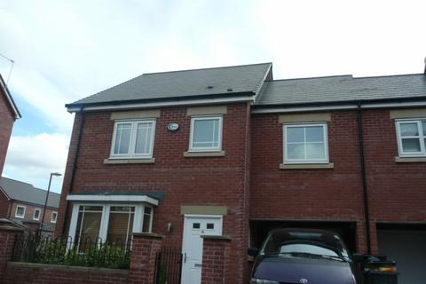 4 bedroom terraced house to rent - Pickering Street, Hulme, Manchester, M15 5LQ