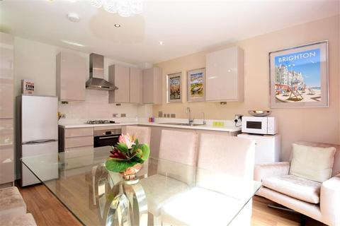 3 bedroom end of terrace house for sale - Manor Road, Brighton, East Sussex