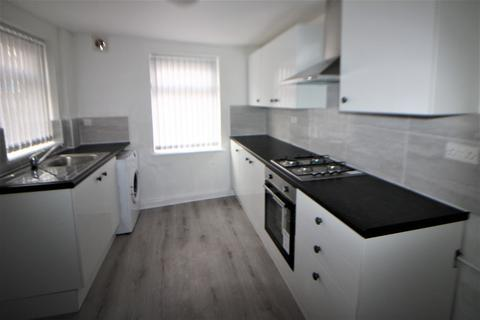 4 bedroom house to rent - Molyneux Road, Liverpool