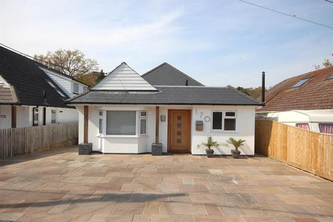 4 bedroom detached bungalow for sale - Clarendon Road, Broadstone