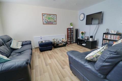 2 bedroom flat for sale - Ringwood House, Walthamstow