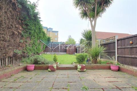 3 bedroom terraced house to rent - Old Tovil Road, ME15