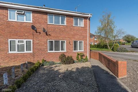 3 bedroom semi-detached house for sale - Lancaster Drive, Brackley