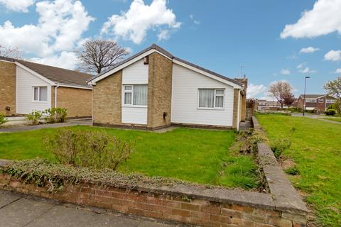 3 bedroom bungalow for sale - Elgin Close, North Shields, Tyne and Wear, NE29 8DG