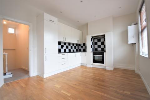 2 bedroom flat to rent - Kincaid Road, Peckham, SE15