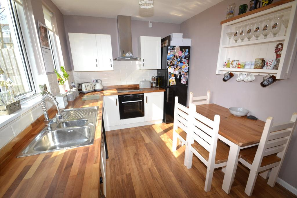 Liddymore Road Watchet 3 Bed Semi Detached House For Sale