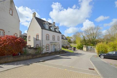 5 bedroom detached house for sale - Treffry Road, TRURO