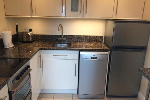 2 bedroom apartment to rent - Wood Lane