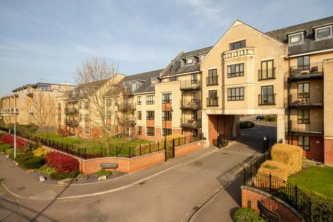 2 bedroom flat to rent - St. Bartholomews Court, Riverside, Cambridge