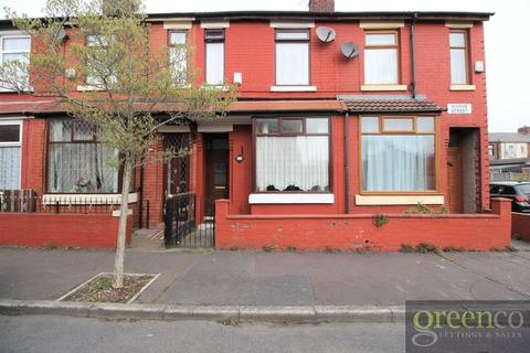 2 bedroom terraced house to rent - Winnie Street, Manchester