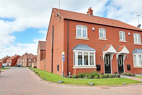 3 bedroom semi-detached house for sale - Paddock Way, Kingswood, Hull, East Yorkshire, HU7