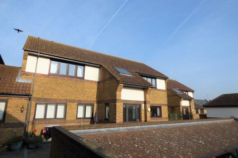 2 bedroom flat for sale - Hedingham Place, Rectory Road, Ashingdon