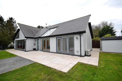2 bedroom detached bungalow for sale - Woodrolfe Farm Lane, Tollesbury, Maldon, Essex, CM9