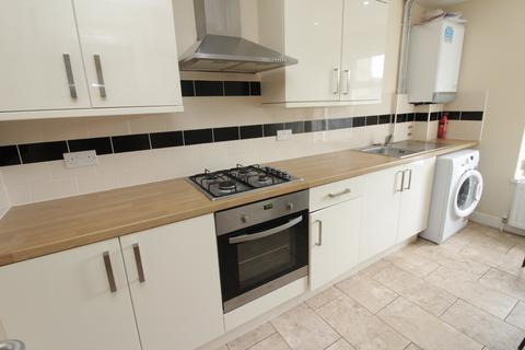 3 bedroom flat to rent - Richmond Crescent, Roath, Cardiff